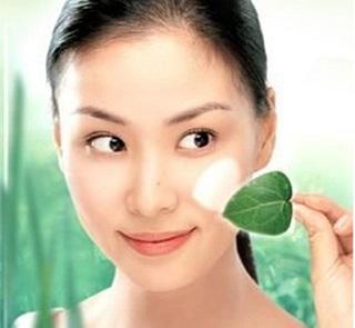 自制茶叶祛斑美白面膜 轻松搞定肌肤问题